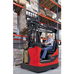 Fenwick Best Value Retractable Forklifts for Medium Density Storage at Intermediate Sites